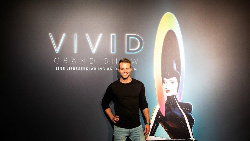 Friedrichstadtpalast Berlin: Tobi tests VIVID Grand Show