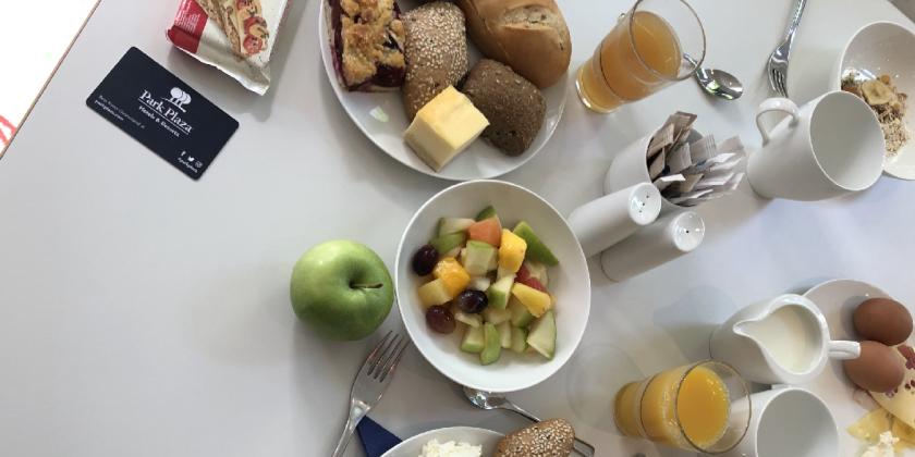 Park Plaza Berlin Kudamm - Dominik tests breakfast buffet