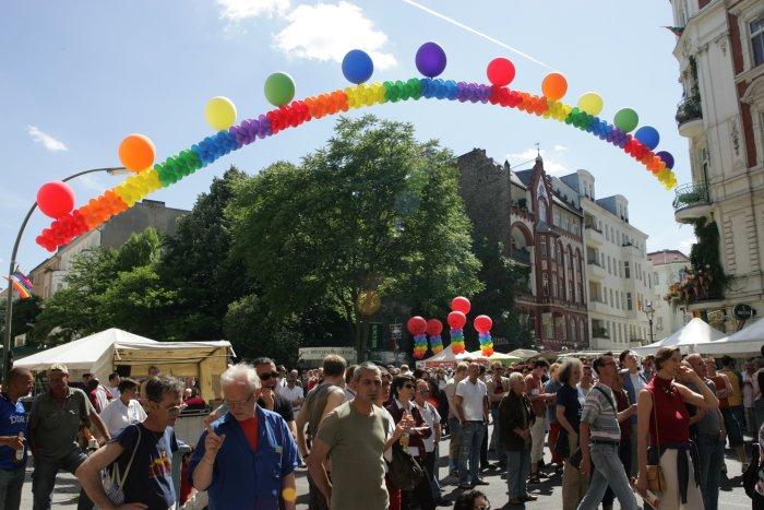 Berlin gay guide hinten von