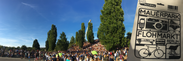 Mauerpark Berlin - Karaoke und Flohmarkt